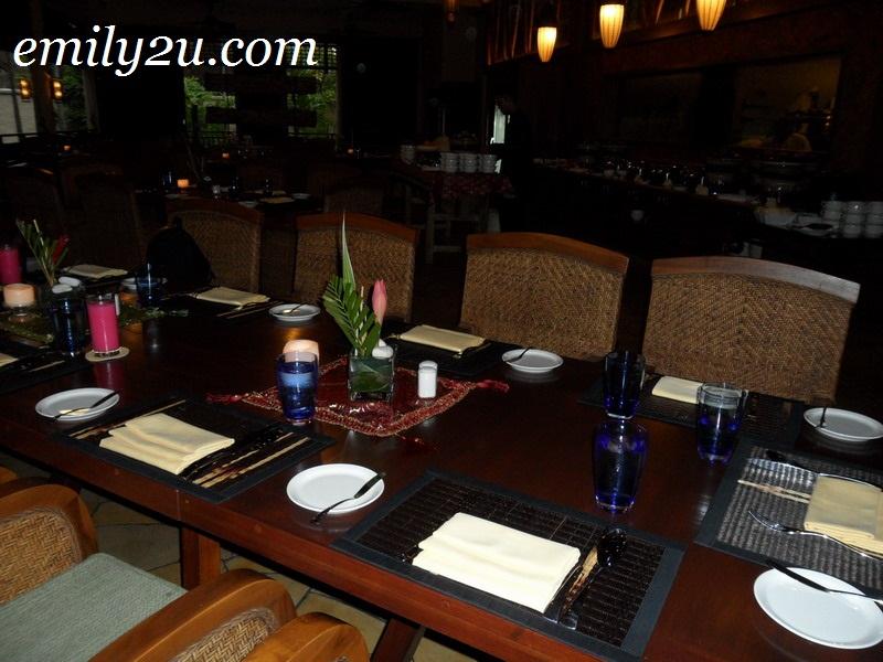 Banjaran Pomelo Restaurant