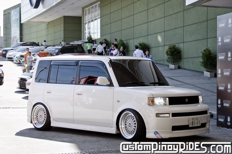 Slammed and Stanced Brothers Toyota bB1 and bB2 Custom Pinoy Rides Car Photography Manila Philippines Philip Aragones THE aSTIG pic6