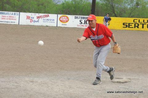 Alejandro García de Ponchados en el softbol del Club Sertoma