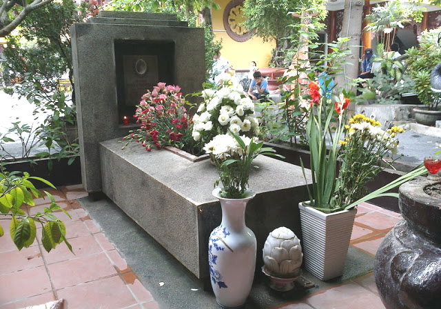 Phần mộ Quách Thị Trang