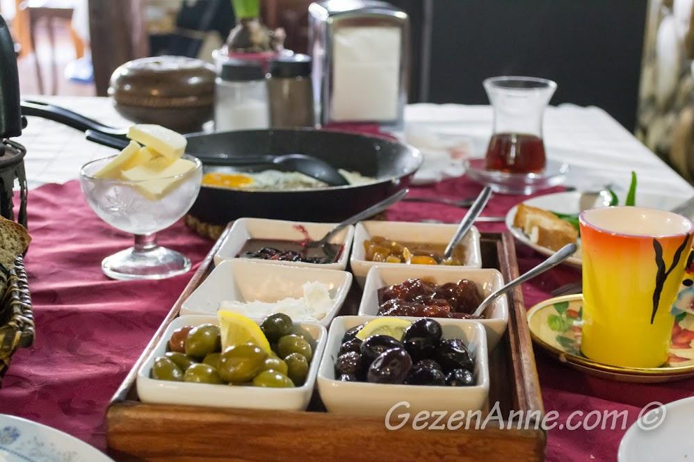 Kahvaltı sofrası, Polina, Polonezköy
