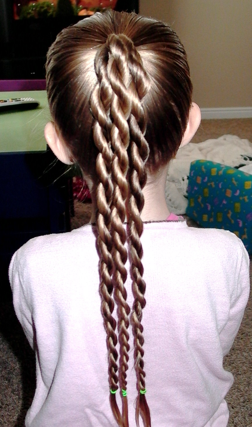 Little Girl's Hairstyles: St. Patrick's Hairdo: The Shamrock Hairdo - Pretty Hair is Fun - Girls ...