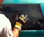 كسر نافذة سيارة بالاصبع