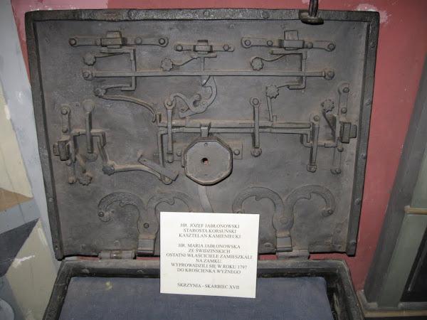 zamek kamieniec - muzeum - skrzynia skarbca