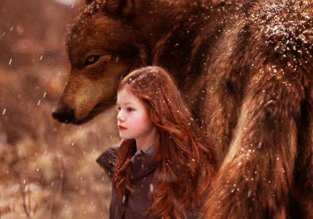 Mackenzie Foy The Twilight Saga Breaking Dawn