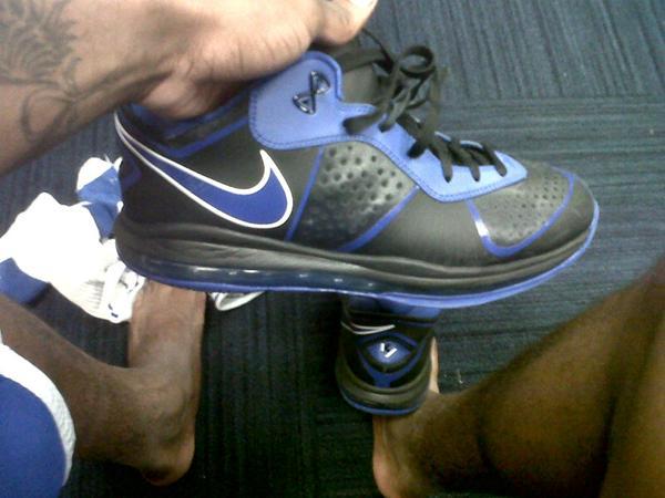 Closer Look at Nike LeBron 8 V2 Low 8220Kyrie Irving8221 Duke PE