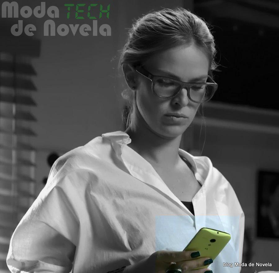 moda da novela Império - celular da Érika dia 30 de julho