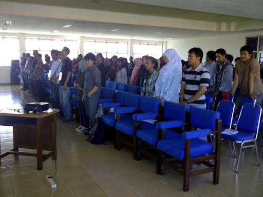 Workshop Sharing Keliling Bersama Saling-silang dan Internet Sehat di Surabaya