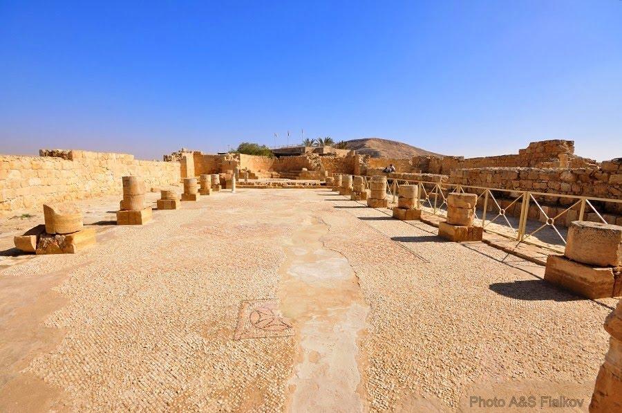 Экскурсия в Негев, Мамшит, восточная церковь