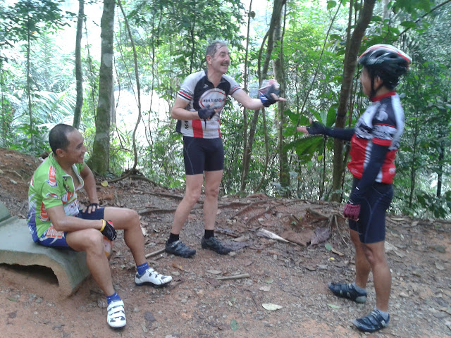 Ride to Gunung Pulai 2011-10-08%25252009.46.28