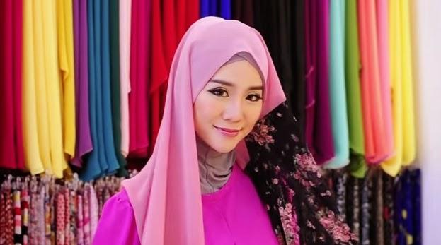 Felixia Yeop, Peluk Agama Islam, Nama Islam Rania
