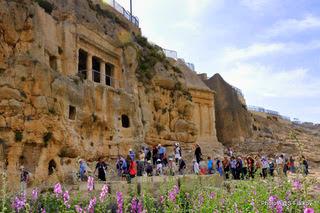 Древние мавзолеи в Кедронской долине. Экскурсия Иерусалим подземный. Гид в Израиле Светлана Фиалкова.