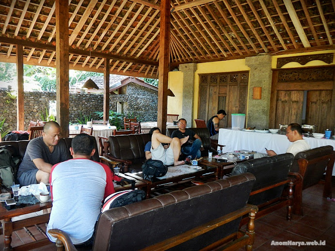 Finish, makan siang di Hotel Somanake (Senduro, Lumajang)