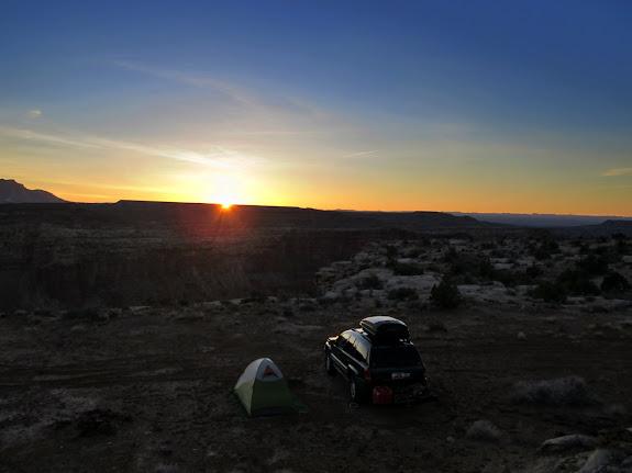 Sunrise at camp at Bullfrog Creek Overlook