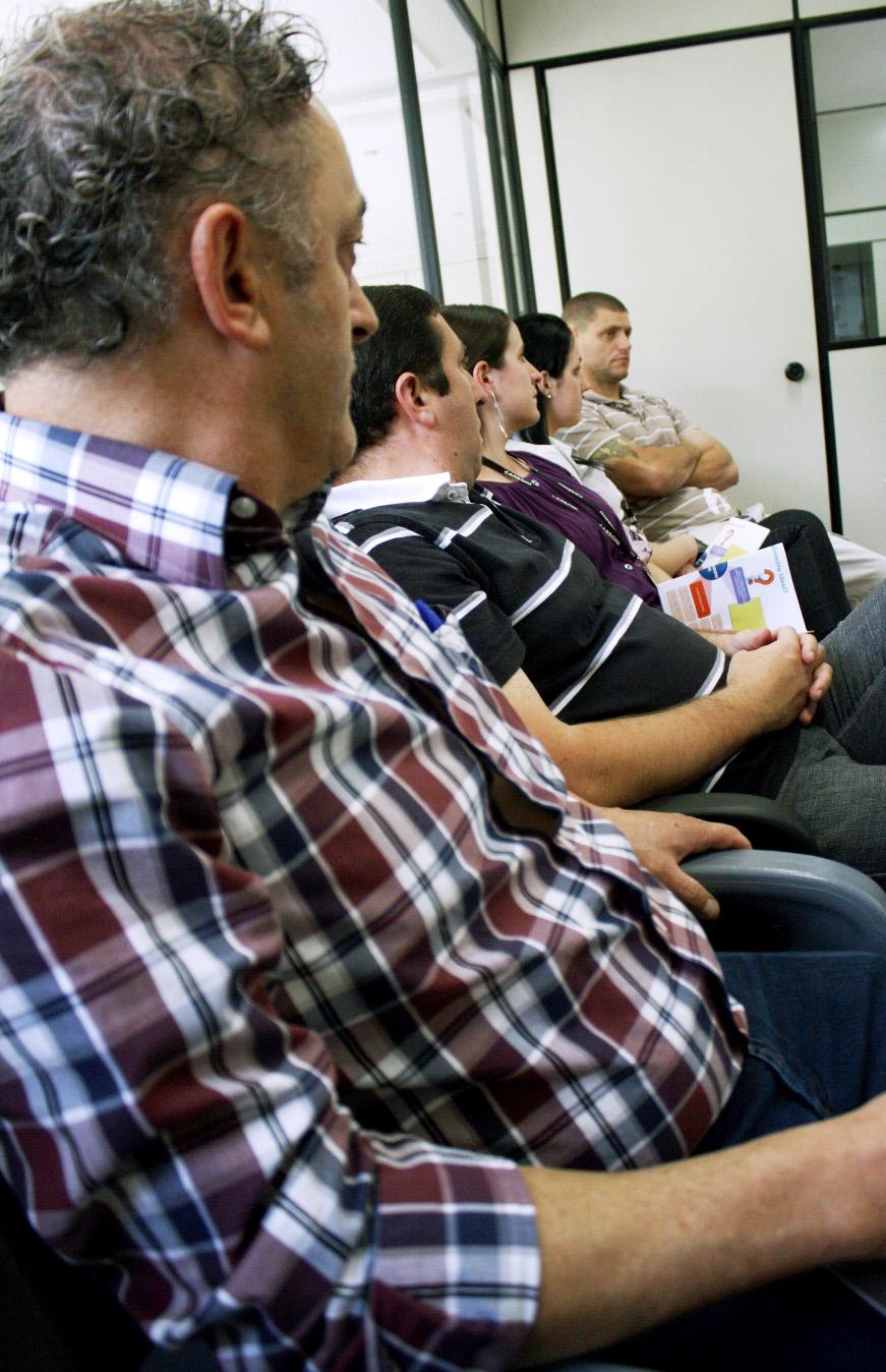Colaboradores da Carboni Fiat recebem treinamento para aprimorar relacionamento com clientes IMG 3056V
