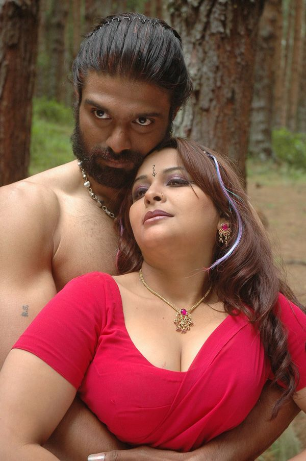 Thappu Tamil Movie Spicy Hot Pics Photo Stills-8035