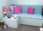 Easy pallet seating area