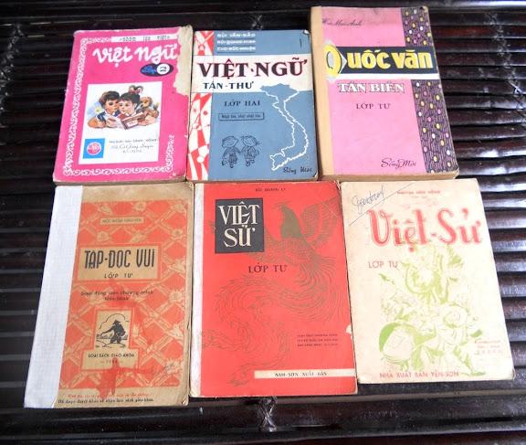 Sách giáo khoa tiểu học cũ - nơi lưu giữ từng trang ký ức DSCN2780