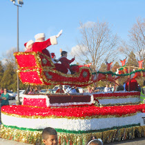Christmas parade draws thousands downtown | GreerToday.com