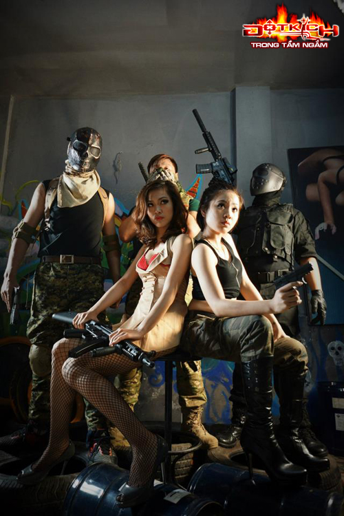 Nhóm Vật Cản ra mắt cosplay mừng sinh nhật Đột Kích 3