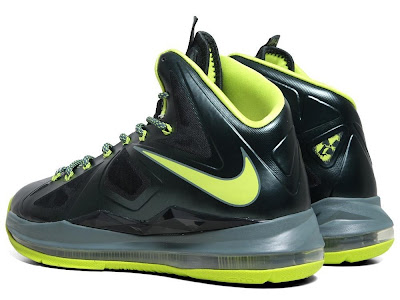 nike lebron 10 gr atomic dunkman 7 03 Detailed Look at Upcoming Nike LeBron X Atomic Dunkman