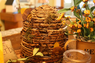 bee skep, bee decor