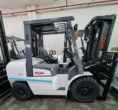 Xe nâng dầu diesel TCM 4 tấn Nhật Bản