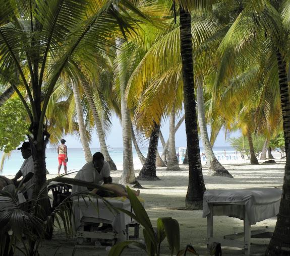 https://lh4.googleusercontent.com/-CFzTRyFJDg4/VH0GAiMFm0I/AAAAAAAALhg/xiuP2Ed5rqU/w575-h508-no/Dominikana%2B2014%2B224.JPG
