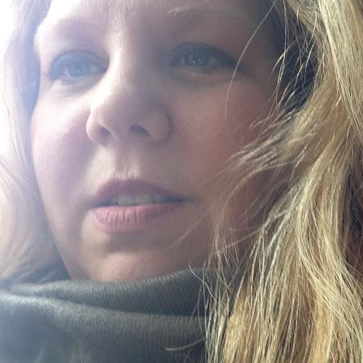 Kirsten Pratt Photo 16