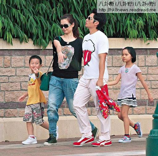 呂慧儀和老公上周二( 9月 25日),帶埋兩位小朋友到迪士尼暢玩,感受為人父母的滋味。