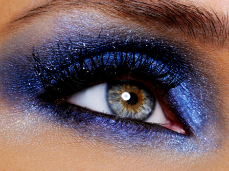 makeup beauty by karo blue eyes smokey eyes. Black Bedroom Furniture Sets. Home Design Ideas