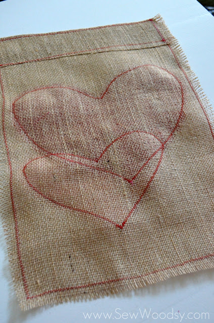 Guest Post from SewWoodsy.com Burlap & Felt Heart Garden Flag #sewing #DIY #GardenFlag #ValentinesDay