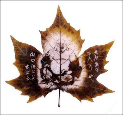انقش صــورة تحــب الشجــر.. غاية الروعة leaf_painting_art_17