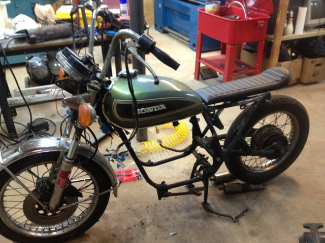 CB550 Motorcycle Build: Frame and seat update