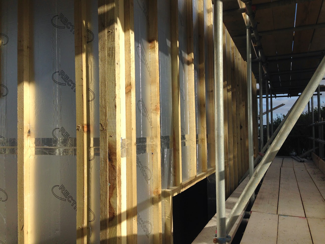 Vertically battened 50mm insulation
