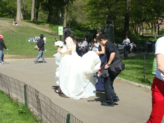 Fiancee, Bride, People in Central Park, New York, Manhattan, Parc Central, elisaorigami, travel, blogger, voyages, lifestyle