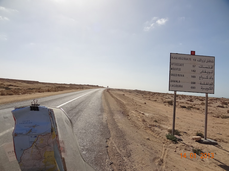 Marrocos e Mauritãnia a Queimar Pneu e Gasolina - Página 5 DSC05818