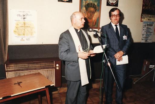 Mijnheer pastoor (links).jpg