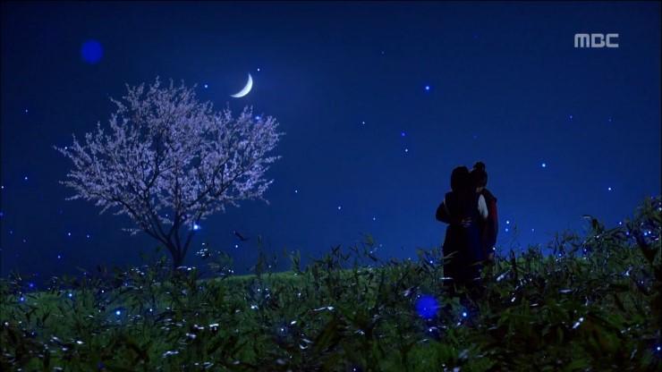 Thơ tình buồn đêm trăng