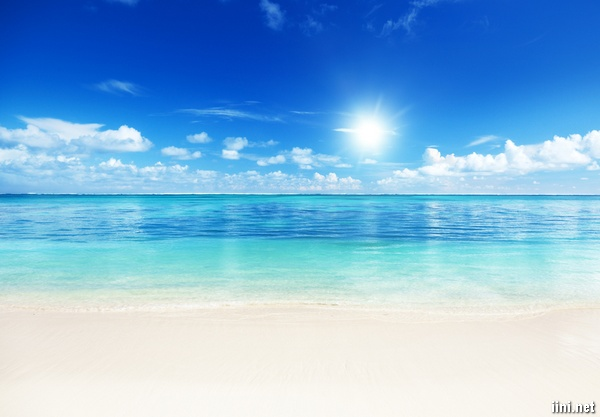 ảnh biển đẹp dưới ánh nắng mặt trời