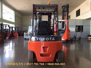 Xe nâng điện 2.5 tấn Toyota