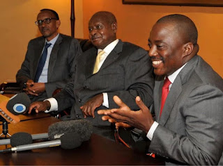 (De g.à.d) Les présidents du Rwanda Paul Kagame, de l'Ouganda Yoweri Museveni et de la RDC Joseph Kabila à Kampala, mercredi 21 novembre, ont exigé au M23 de se retirer de Goma. Ph. Droits tiers