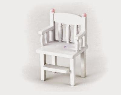 Ghế tập ăn cho búp bê bé Nursery Highchair màu trắng