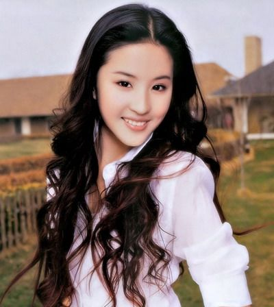 Trendy Silky Long Wavy Hairstyle with Asian Style for Women from Liu Fei Yi