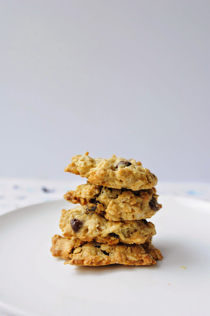 Homemade Crispy Oatmeal Raisin Cookies
