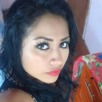 Angy Clemente instagram, twitter profile