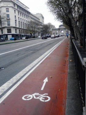 'La bici baja a la calzada' de madridiario. Fuente: twitter.com