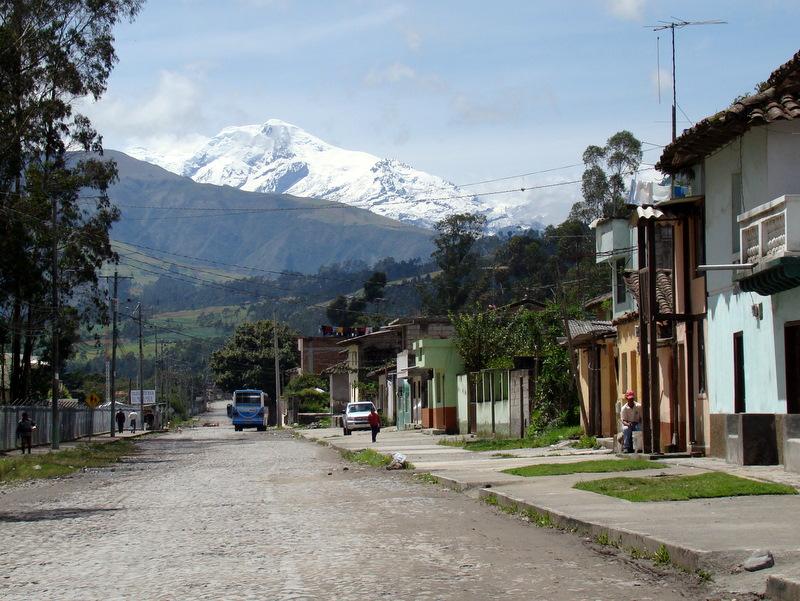 El Cayambe, visto desde Ibarra. Foto: www.nevados.org