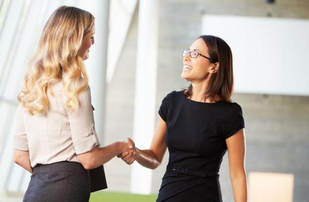 Những cách gây ấn tượng đẹp trong giao tiếp