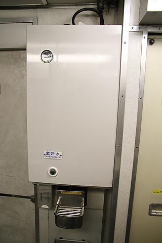 JR寝台特急「日本海」 4001レ B寝台 飲料水サーバ